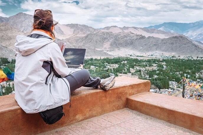Travel blogger là gì